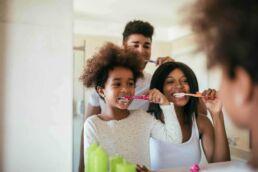 Zahnbürste © shutterstock / bbernard